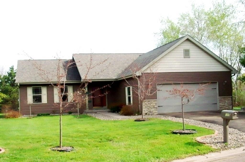 915 Pleasant View Court, Menomonie, WI