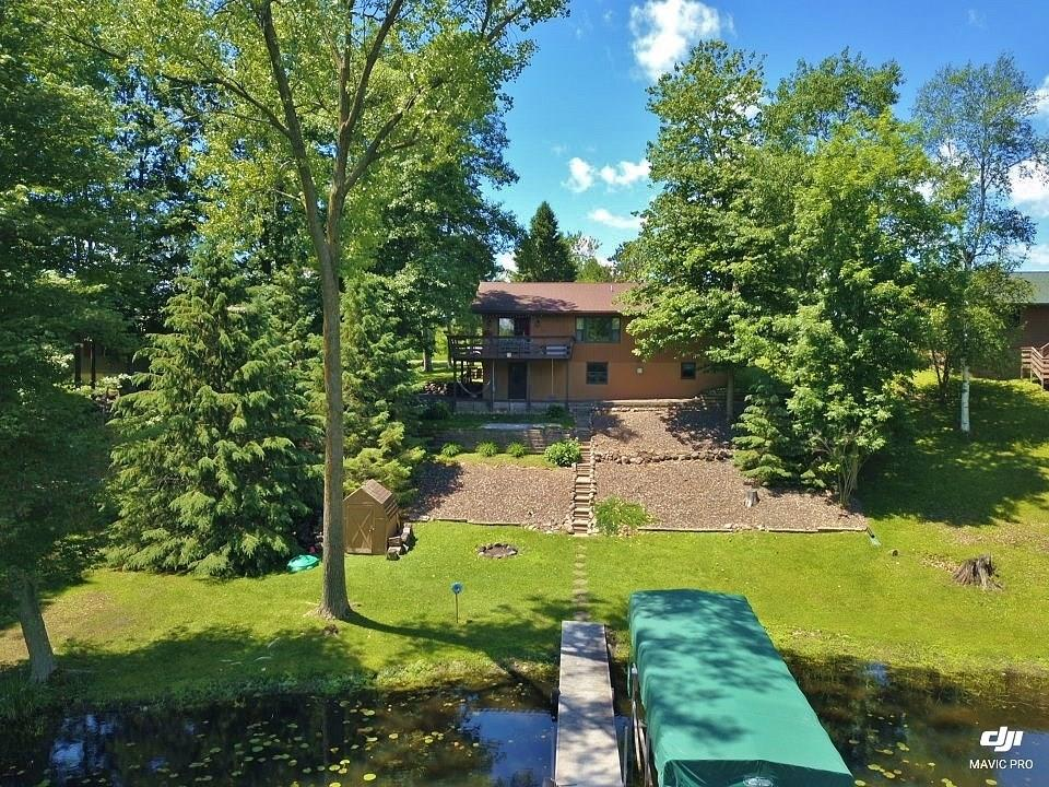 1660 Hines Lakeview Drive, Cumberland, WI