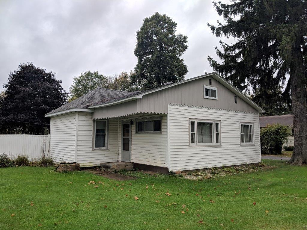 220 College Avenue, Ladysmith, WI