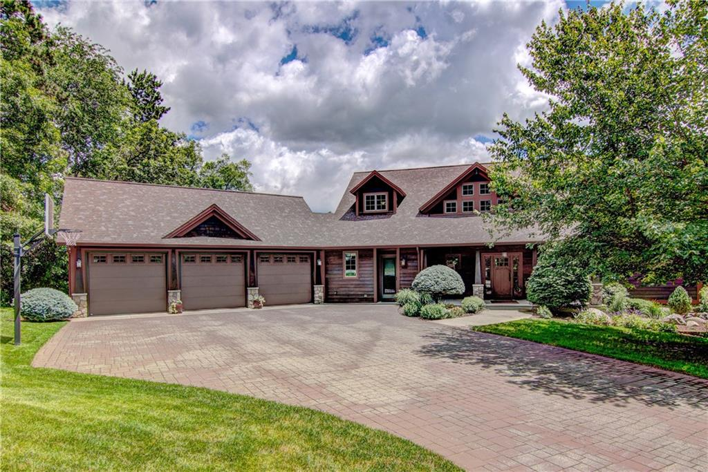 3815 Timber Creek Court, Eau Claire, WI