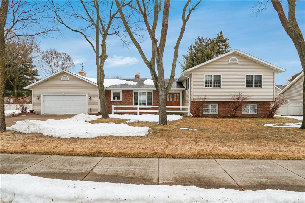 1204 Timber Road, Eau Claire, WI