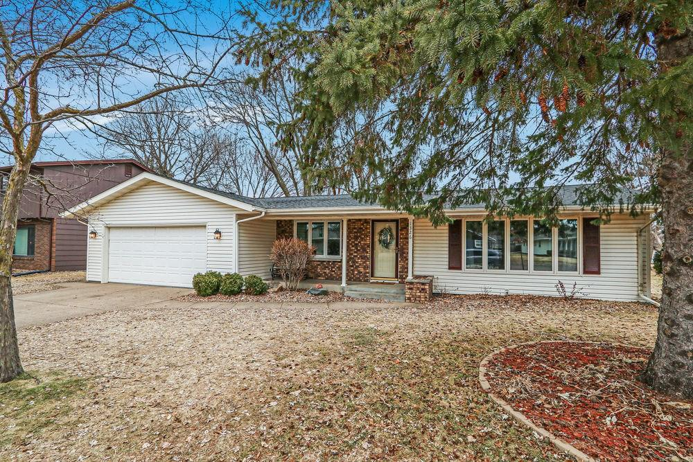 Kleven Realtors Featured Home For Sale Photo