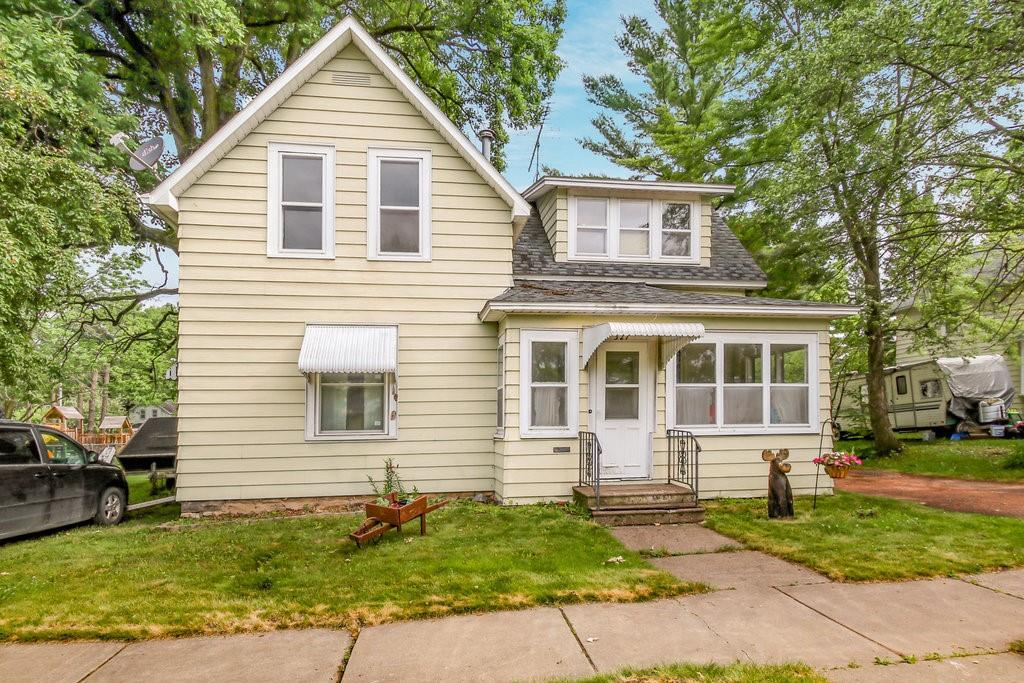 327 E 1st Ave, Stanley, WI