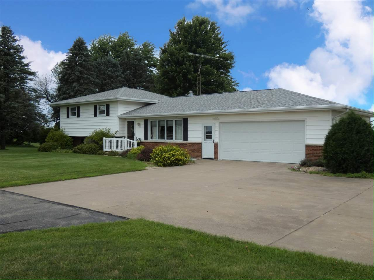 862 County Road H, Smelser, WI