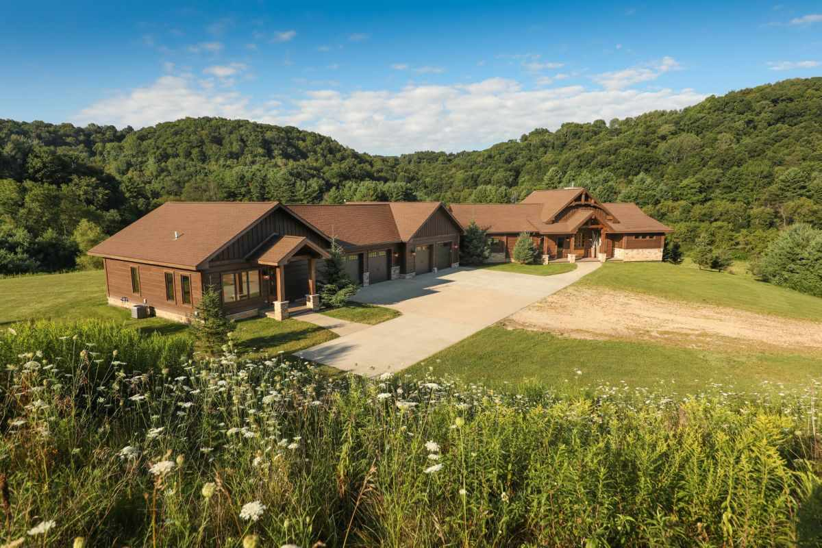 16381 Camp Mary Ln, Willow, WI