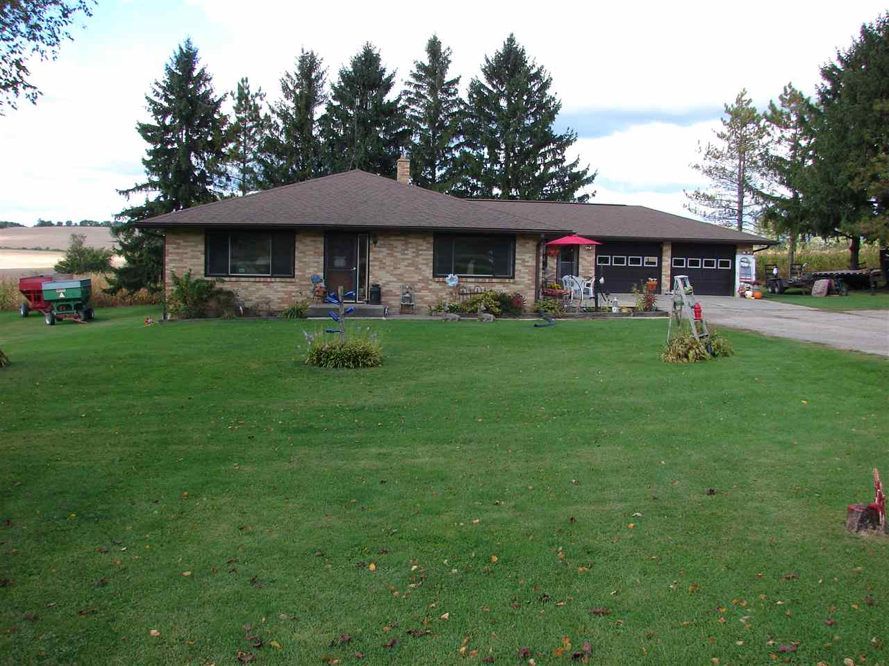 4220 County Road B, Dodgeville, WI