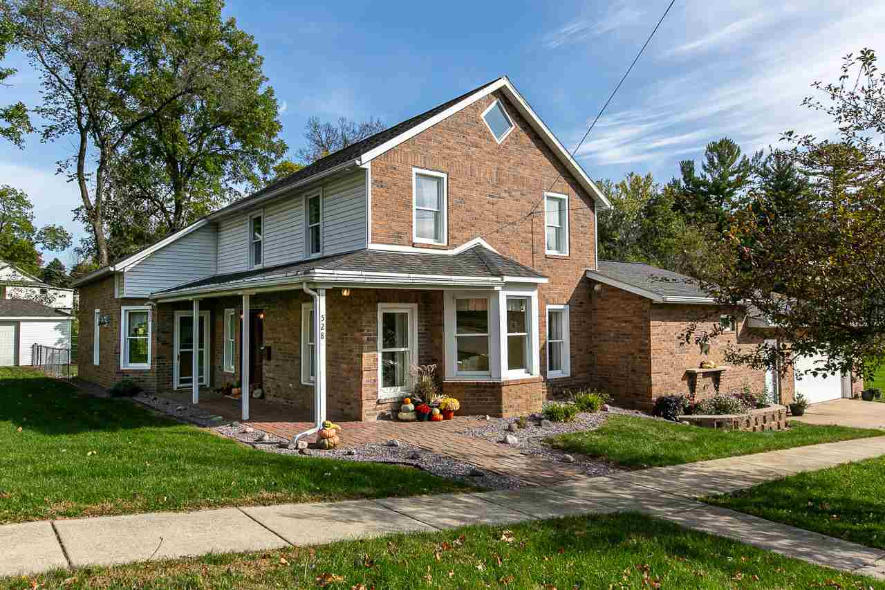 528 E Harriet St, Darlington, WI