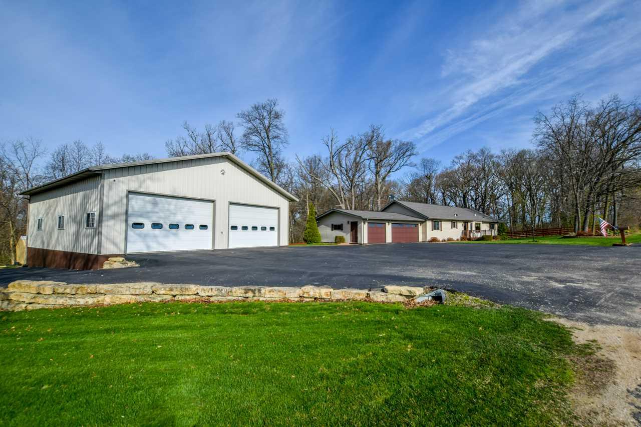 21975 Silverthorn Rd, Shullsburg, WI