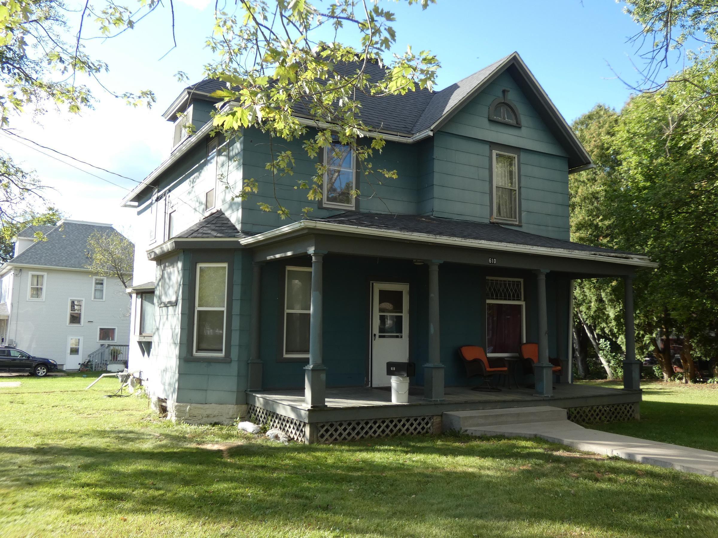 610 N 4th St, Platteville, WI