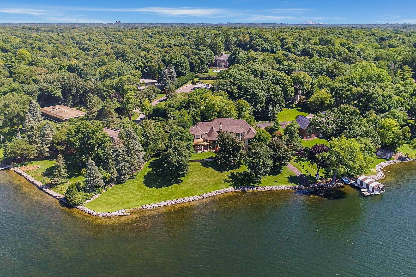 3960  Walden Shores Road , Deephaven, MN