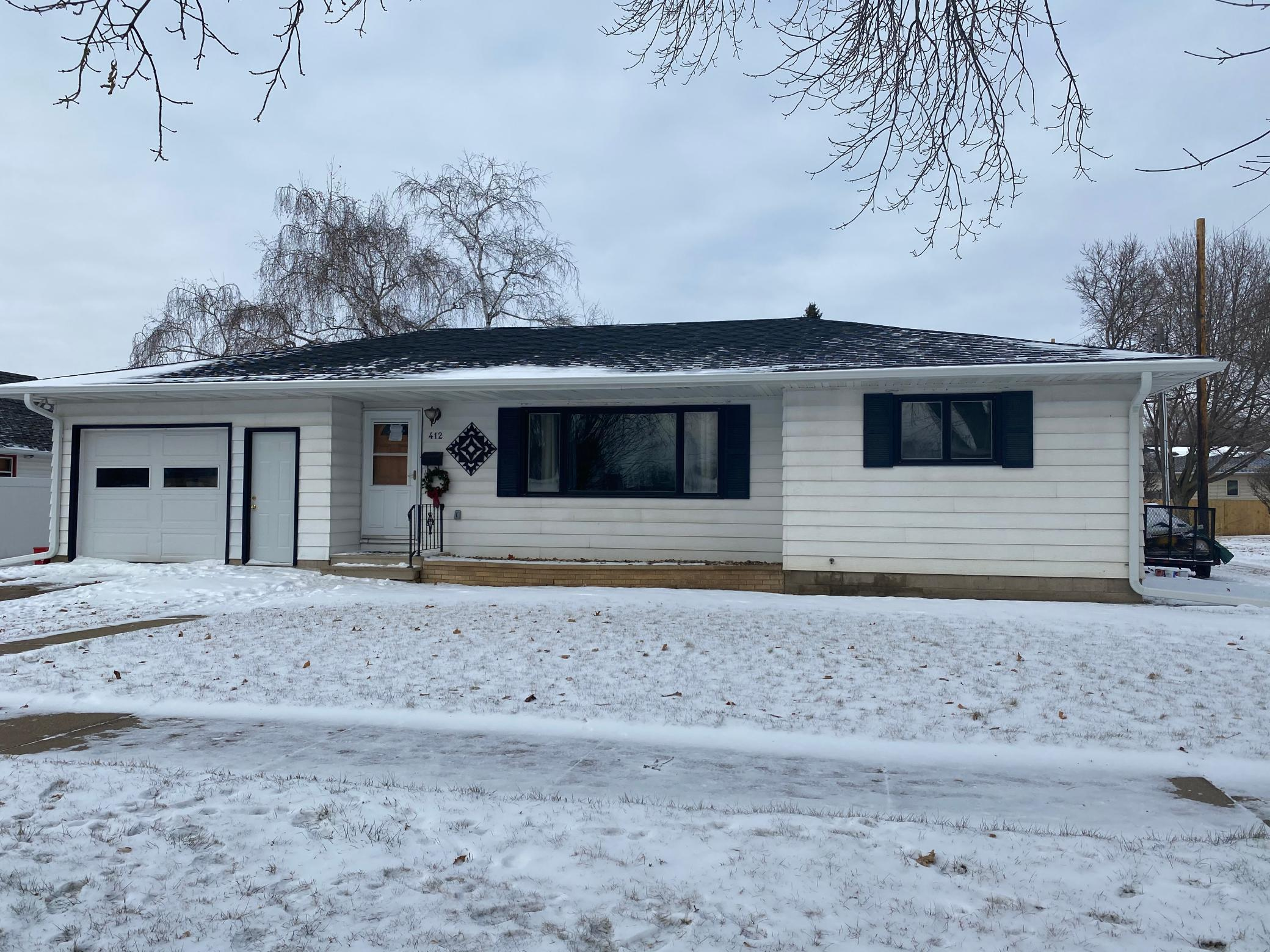 412 W Jewell Avenue , Lake City, MN