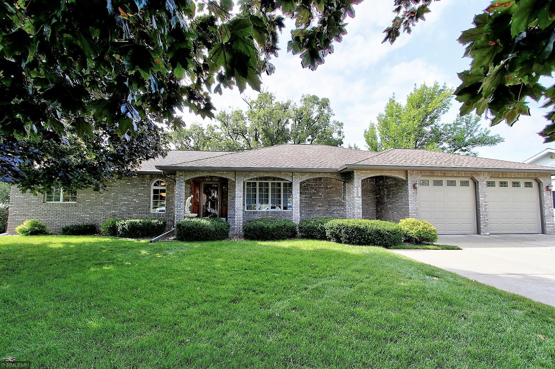 1175  Golf Ridge Circle , Red Wing, MN