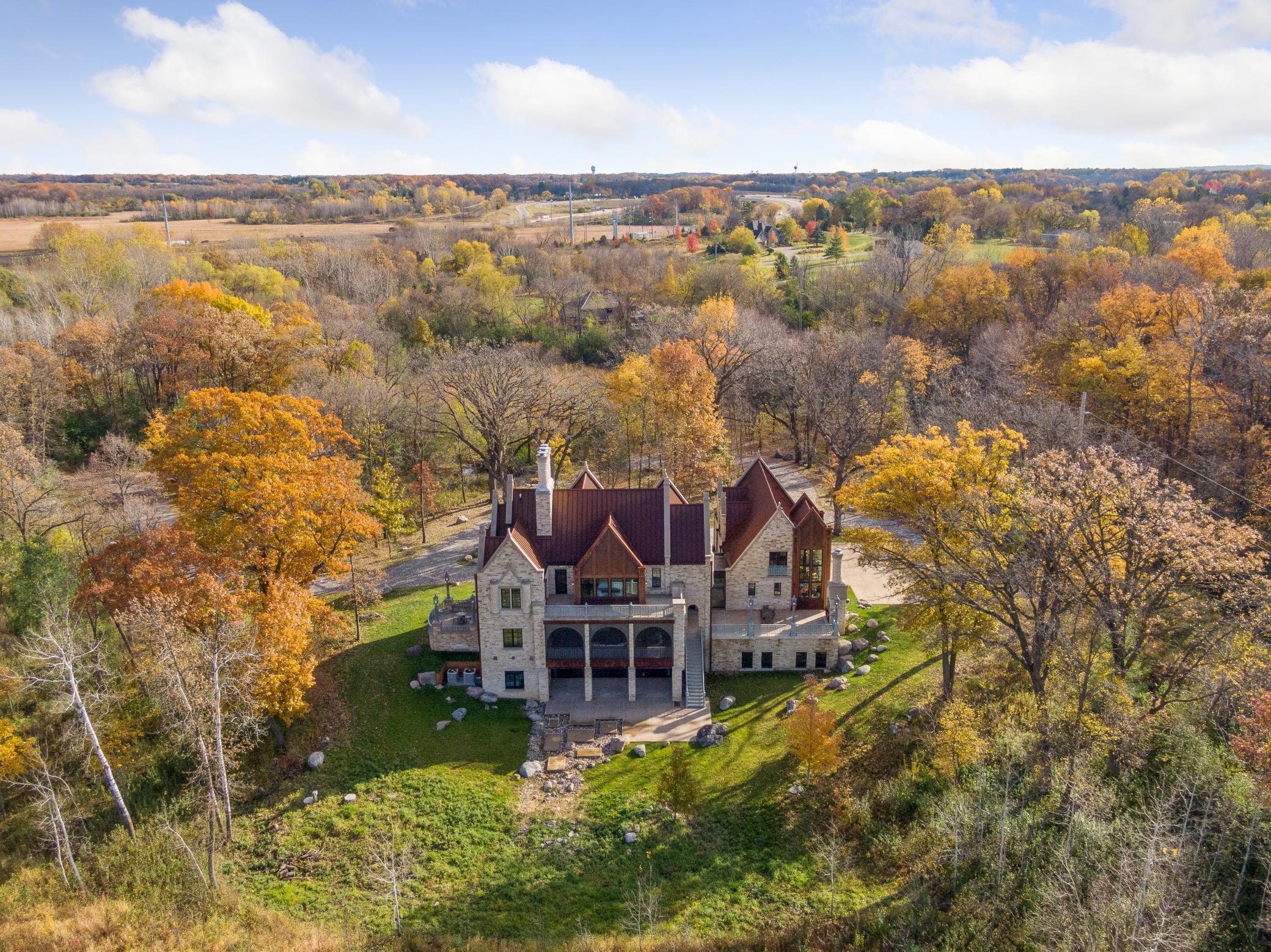 835  Hunt Farm Road , Orono, MN
