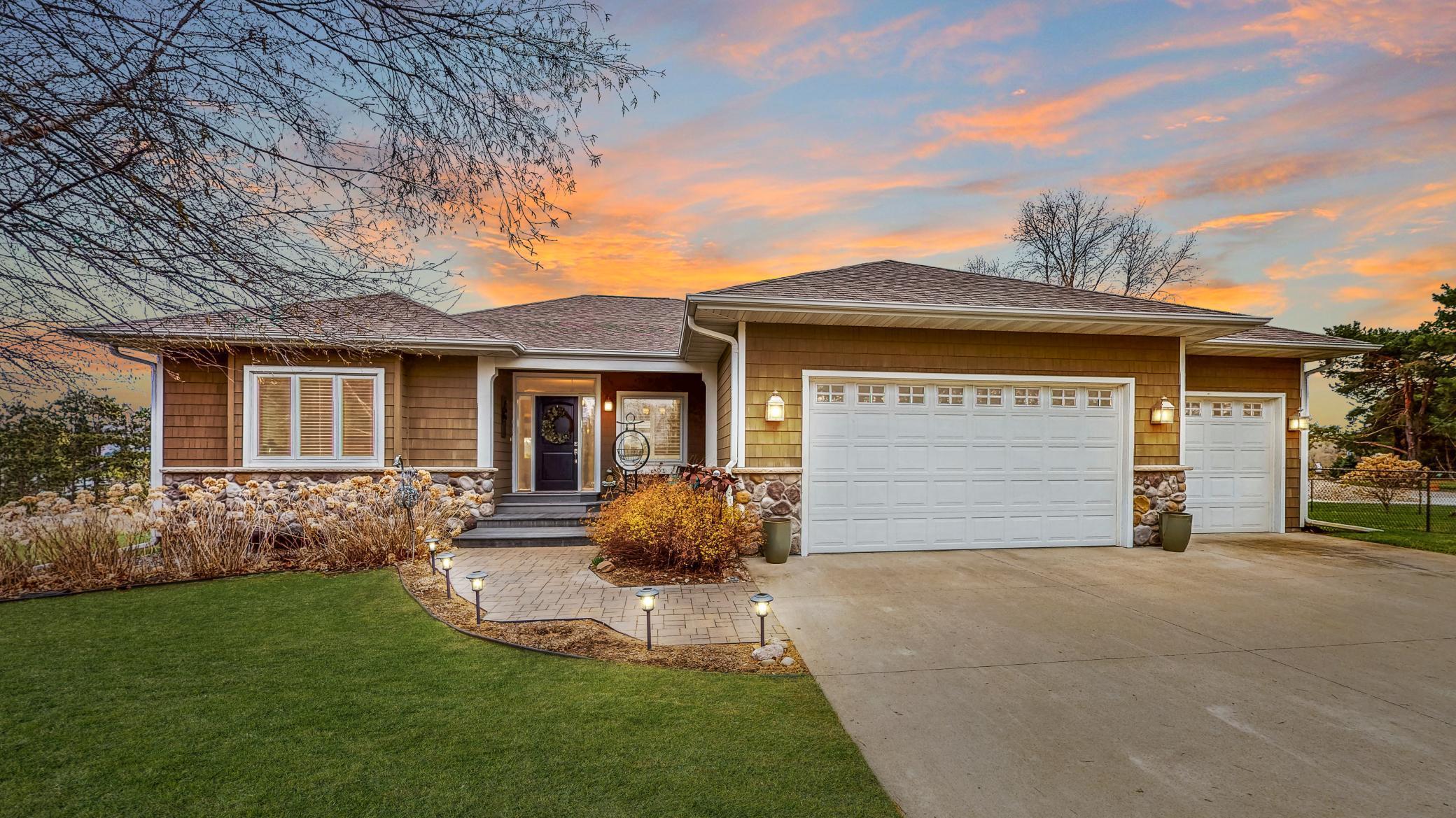 31822  Lakeview Drive , Lake City, MN
